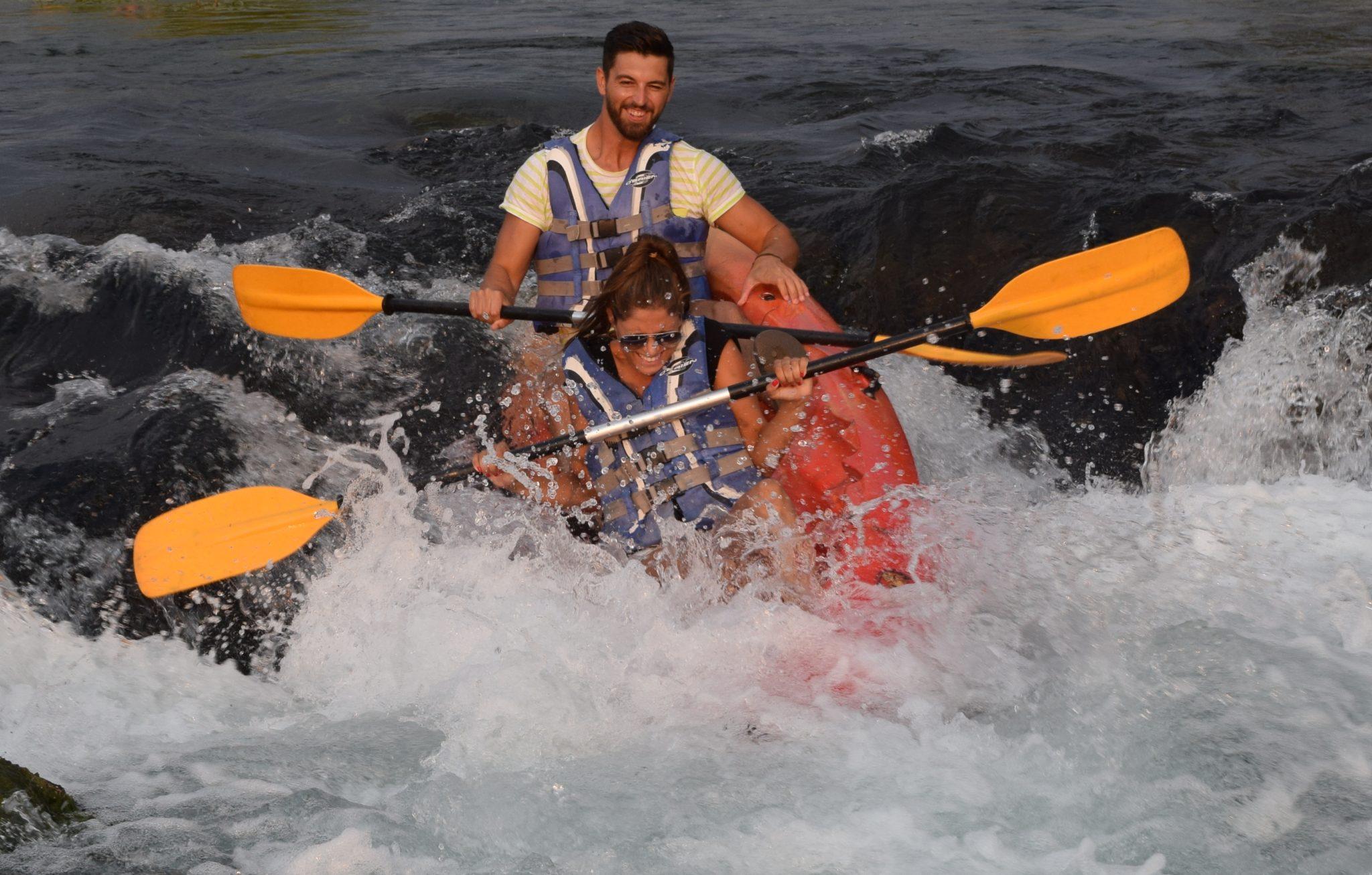 {:en}Kayaking Croatia{:}{:de}Kajak fahren Kroatien{:}{:hr}Kajak na Gacki{:}